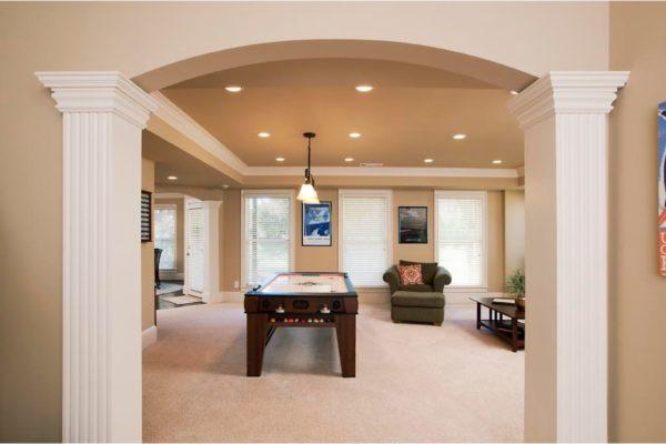 living room, columns