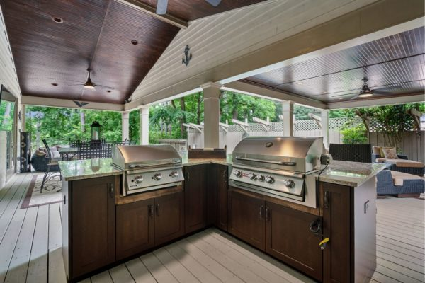 custom cabinets for outdoor grilling station
